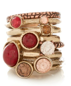 New Look - Gold and Red Gem ring Stack - 5,99 pounds